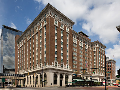 Amway Grand Plaza in the Hotel District Grand Rapids